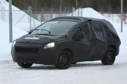 Le site web du magazine Auto Express a publié une photo espion d'un prototype de Peugeot 3008, hélas bien camouflé..